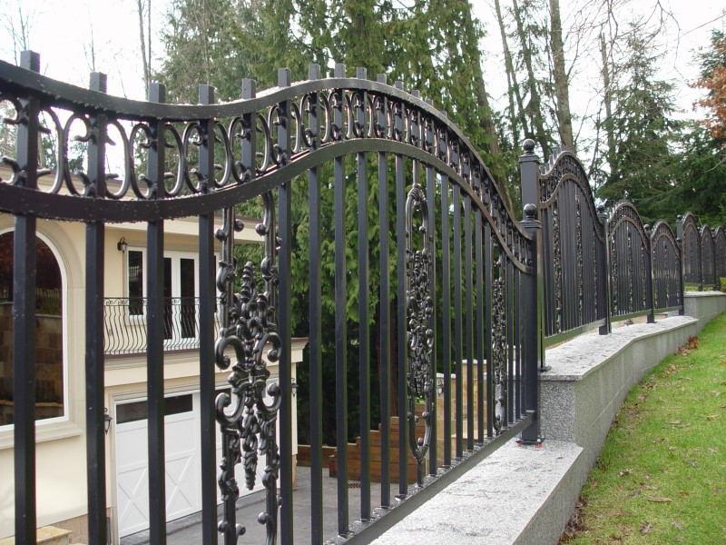 Outdoor Railings 151